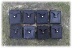 kleineeckigeguerteltaschenschwarztoene.jpg