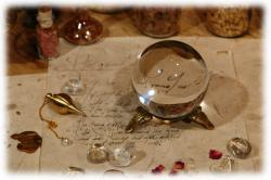 kristallglaskugel8cmmitdeko03.jpg