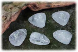 gebohrtertrommelsteinanhaengerbergkristall.jpg