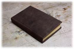 fertiginledereingeschlagenesbuch.jpg