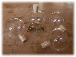 glaskugelnmitkorken.jpg