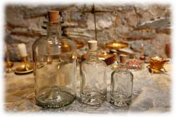 groessenvergleichalchemistenflaschen.jpg