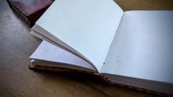 ledergebundenesbuch1220202.jpg